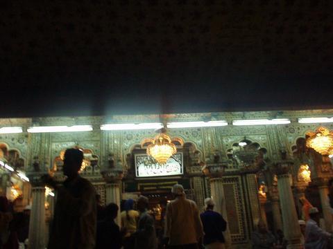 Nizam-ud-din's shrine, Delhi.
