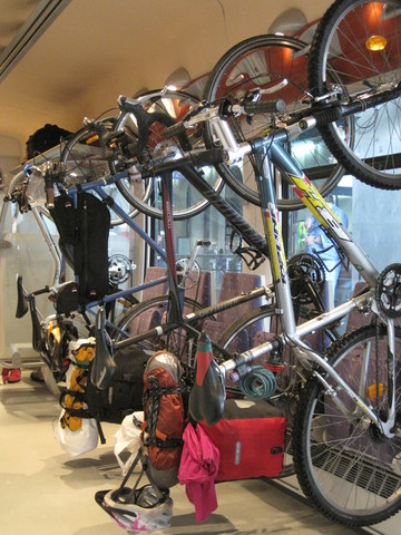 The SNCF bike-hook system.