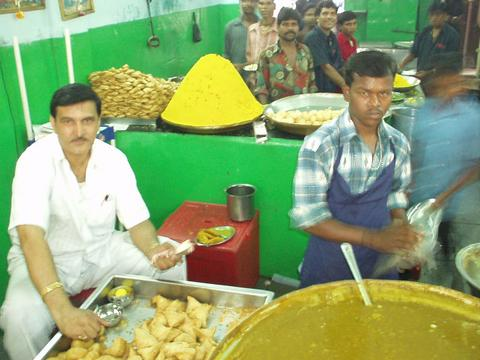The owner of Gokul Chaat and his minions, Hyderabad.
