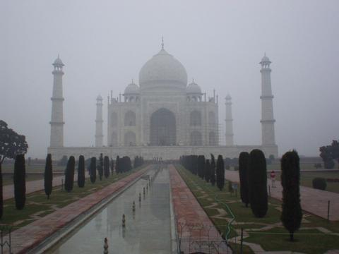 Obligatory Taj Mahal picture.