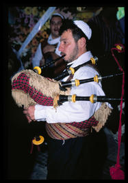 bagpipe_player_damascus