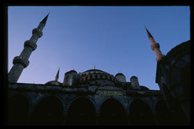 blue_mosque_close_2