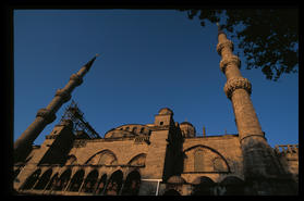 blue_mosque_close