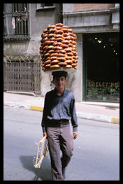 boy_with_bagels_istanbul